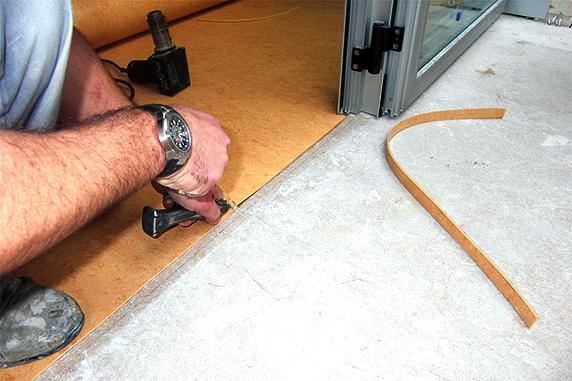 Правила укладки линолеума на бетонный пол: как не наделать ошибок?