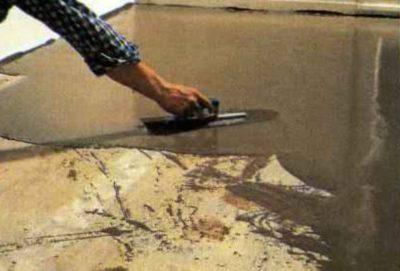 Выравнивание поверхности заливкой стяжки