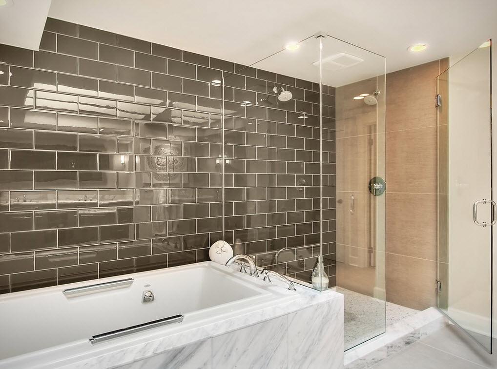 Глянцевая плитка в ванной