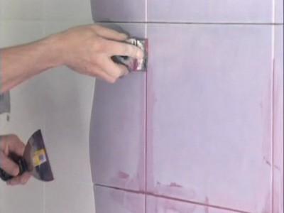Затирка швов керамической плитки: разбираемся чем и как правильно затирать швы