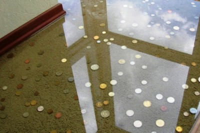 Наливной пол с монетами