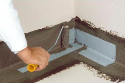 Гидроизоляция очень важна при выполнении бетонной стяжки пола в гараже
