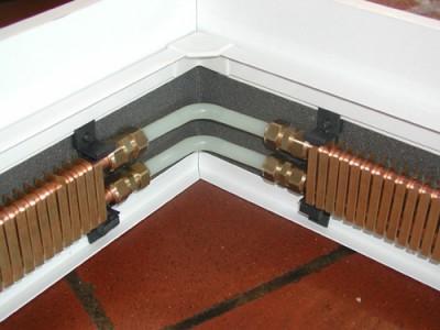 Водяной теплый плинтус в сборе