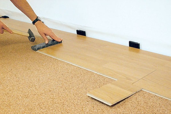 Смесь для выравнивания бетонного пола под ламинат керамзитобетон пропорции для перекрытий