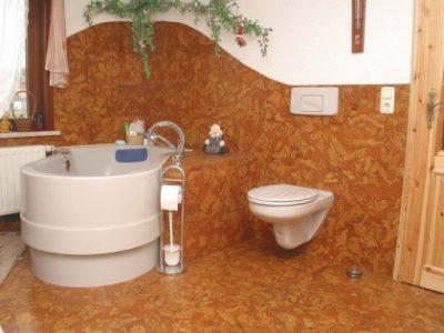 Пробка в ванной тоже уместна