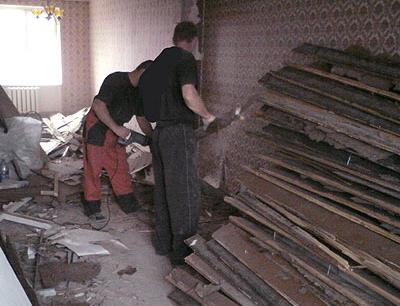 Демонтаж старого пола в хрущевке