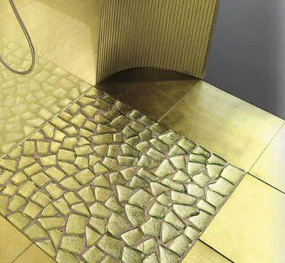 Стеклянные мозаичные полы в ванной