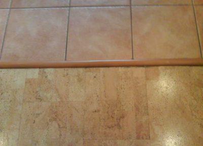 В какой последовательности выполнять работы по стыковке плитки и ламината?