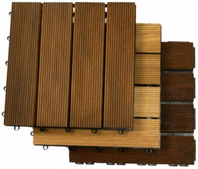 Пластиковая подложка снабжена замковыми соединениями, с помощью которых модули садового паркета скрепляются друг с другом
