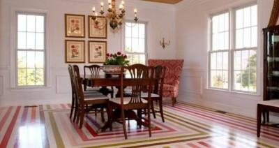 Ситцевые полы с четким геометрическим рисунком украсят интерьер гостиной