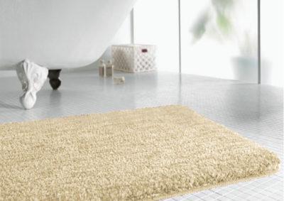 Поверхность микроволоконных ковриков состоит из сотен тысяч волокон рассеченного полиэстера