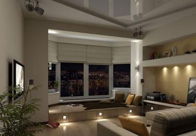 В вечернее время напольное освещение подиума создает в комнате таинственную романтичную атмосферу