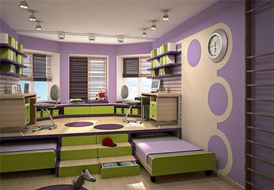 В этом подиуме по бокам спрятаны две детские кровати, а лестница трансформируется в несколько удобных ящиков для одежды и белья