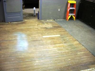 Деревянные полы в гараже