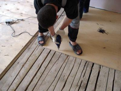 Príprava poteru pre linoleum