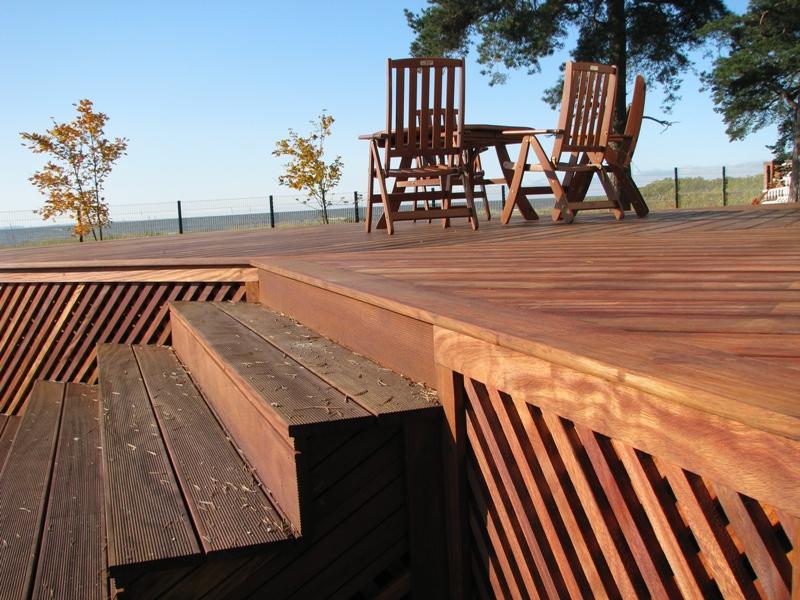 Выбор напольного покрытия для террасы: сравнительный обзор самых лучших материалов