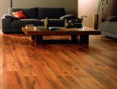 Гостиная с деревянным полом
