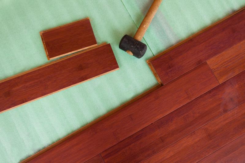 Какую подложку под ламинат выбрать для устройства тёплого водяного пола