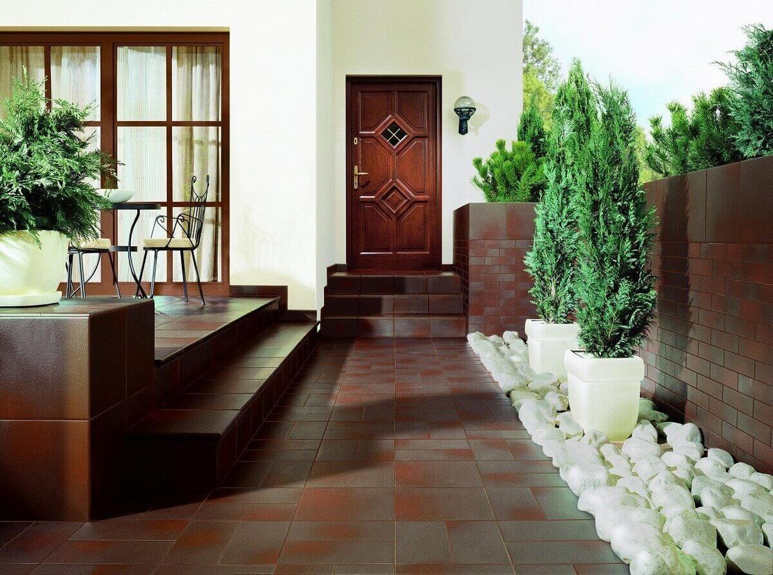 Отваливается керамическая плитка — причины, выполнение восстановительных работ