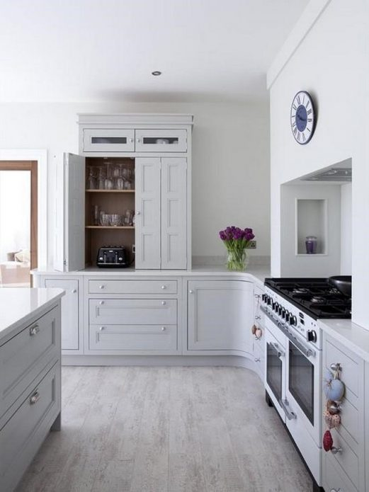Ламинат беленый дуб на кухне