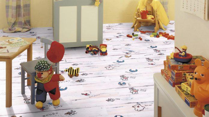 Ламинат с детским рисунком в комнате для ребенка