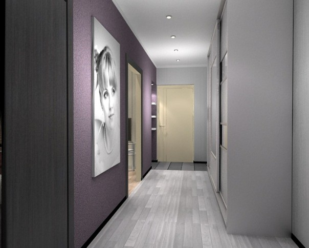 Коридор с серым ламинатом на полу