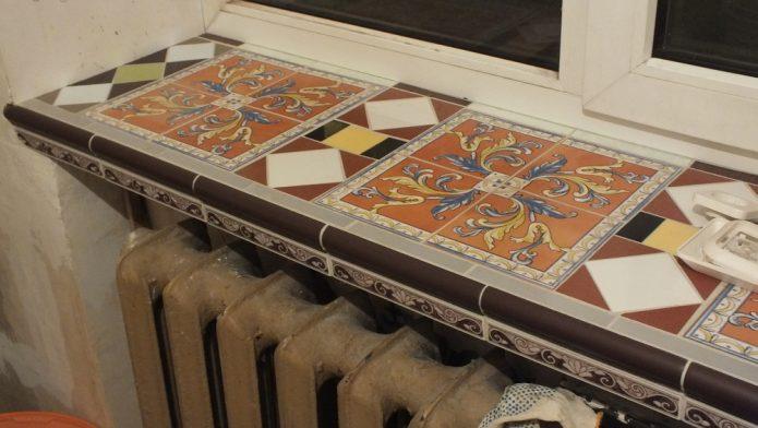 Отделка подоконника мозаикой
