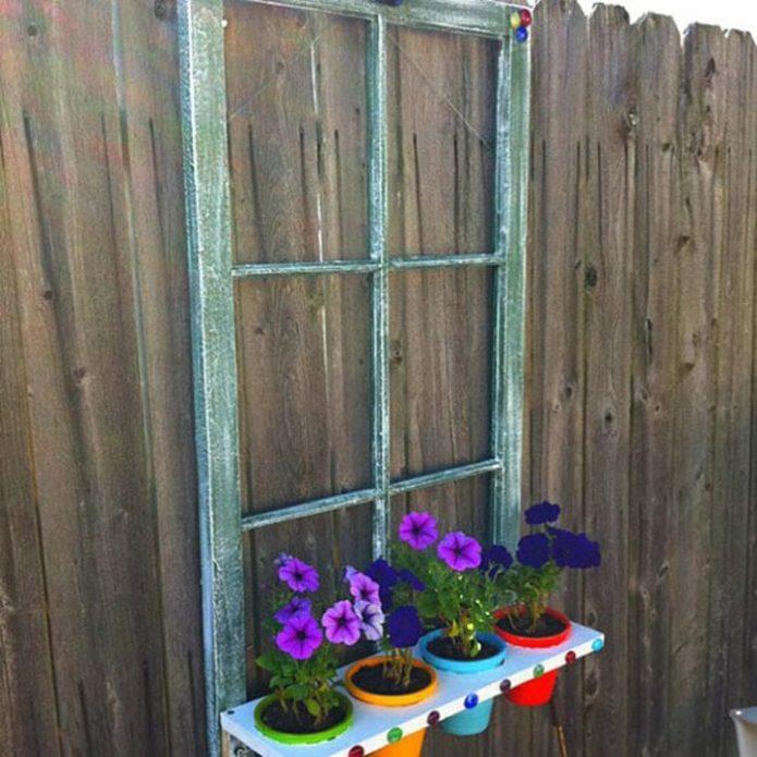 Декоративная полка для цветов