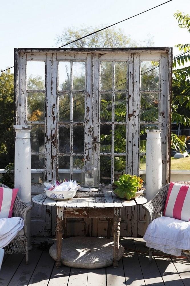 старые оконные рамы в дизайне сада фото есть, красавица