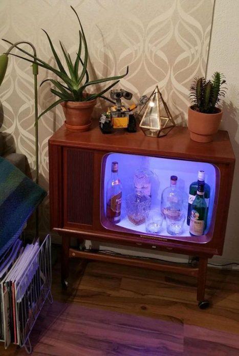 Бар в корпусе от телевизора