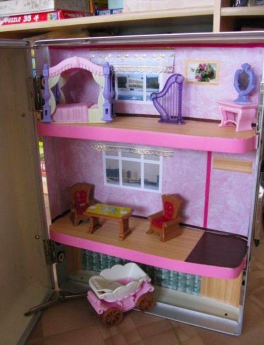 Кукольный домик из старого холодильника