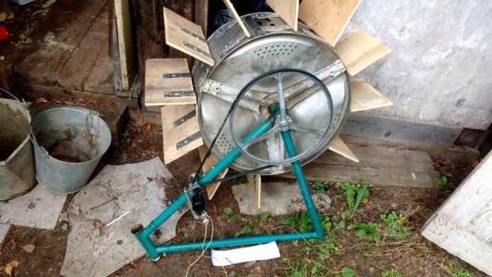 Мини-гидроэлектростанция из барабана стиральной машины
