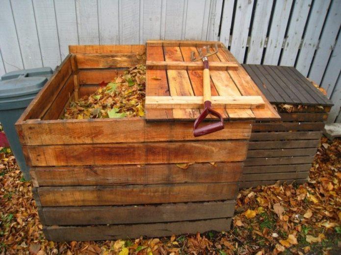 Ящик для компоста из старых досок