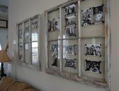 Использование старой оконной рамы для размещения фотографий на стене