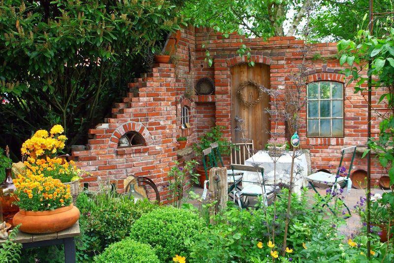Что сделать из старых кирпичей на даче