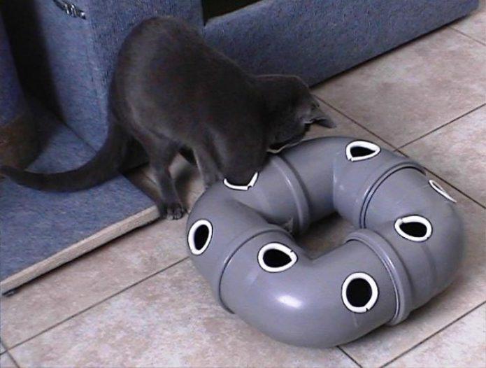 Игрушка для кошки из труб ПВХ