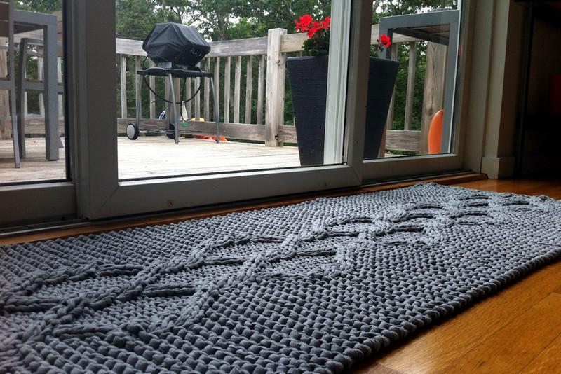 Из чего можно сделать коврик своими руками: 20 практичных идей