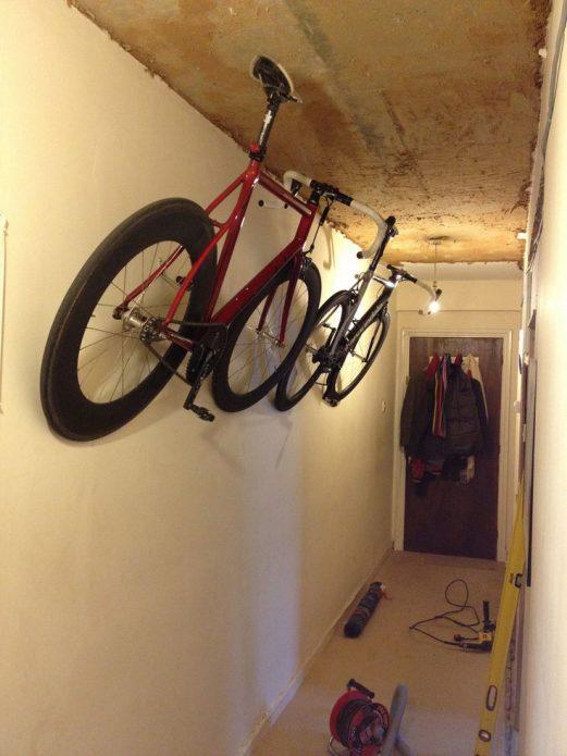 Хранение байка в коридоре