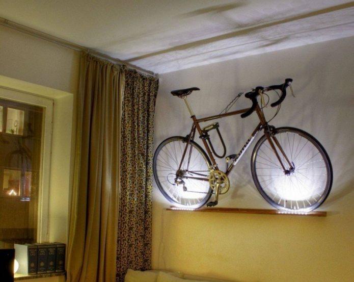 Полка с подсветкой для велосипеда