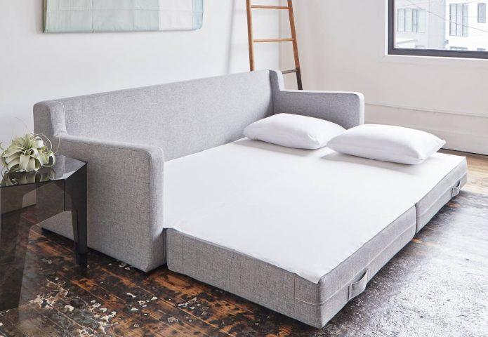Выдвижной диван в квартире-студии