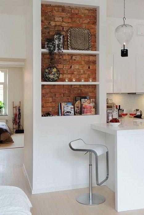 Декоративные полки-ниши в интерьере кухни