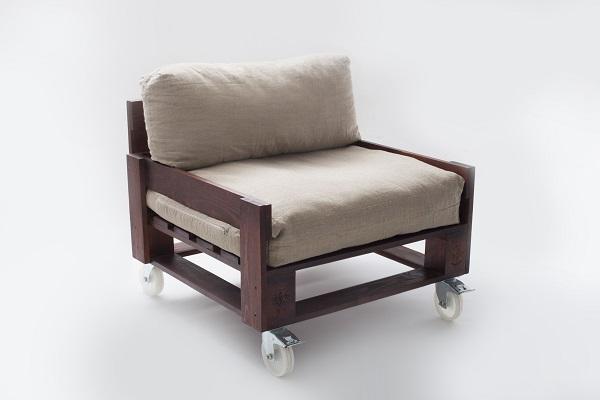 Кресло из паллетов
