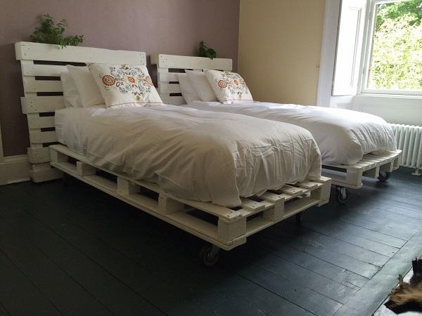 Кровати из паллетов