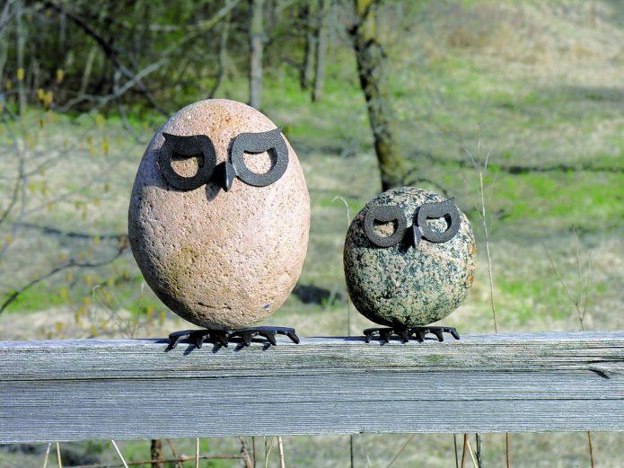 Маленькие, но эффектные фигурки из металла и камней