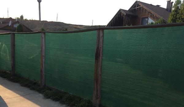 Забор из сетки с затемнением