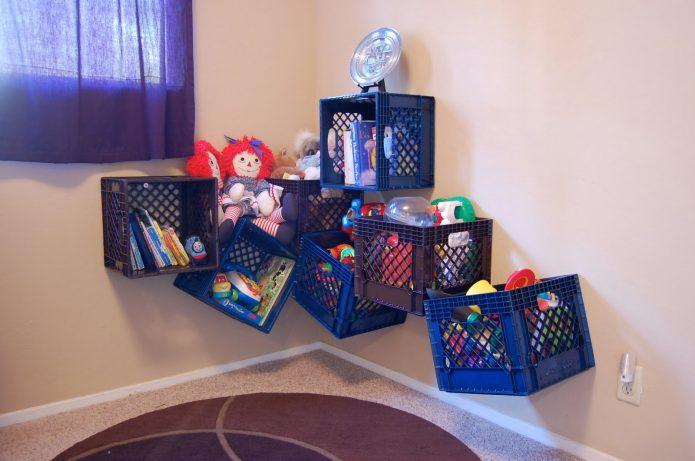 Органайзер для игрушек из пластиковой тары