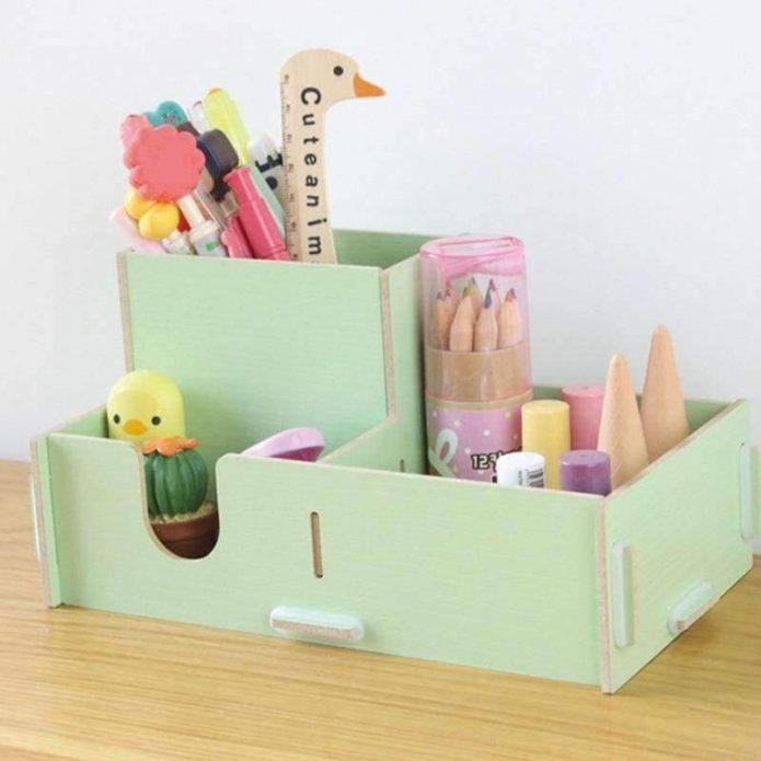Картонный органайзер для маленькой девочки