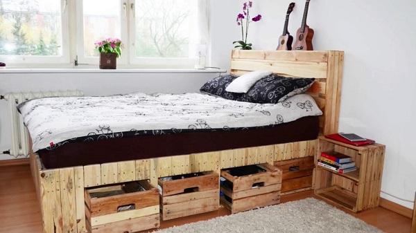 Кровать с ящиками в подиуме