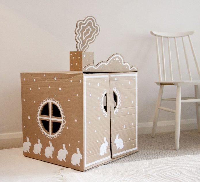 Простой, но красивый игровой домик для ребёнка
