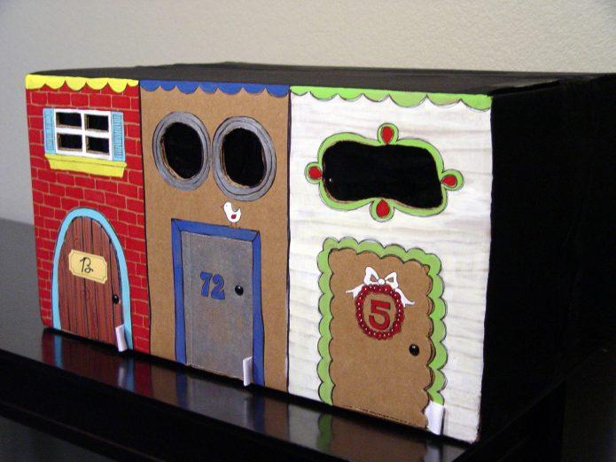 Игровой домик из трёх больших коробок